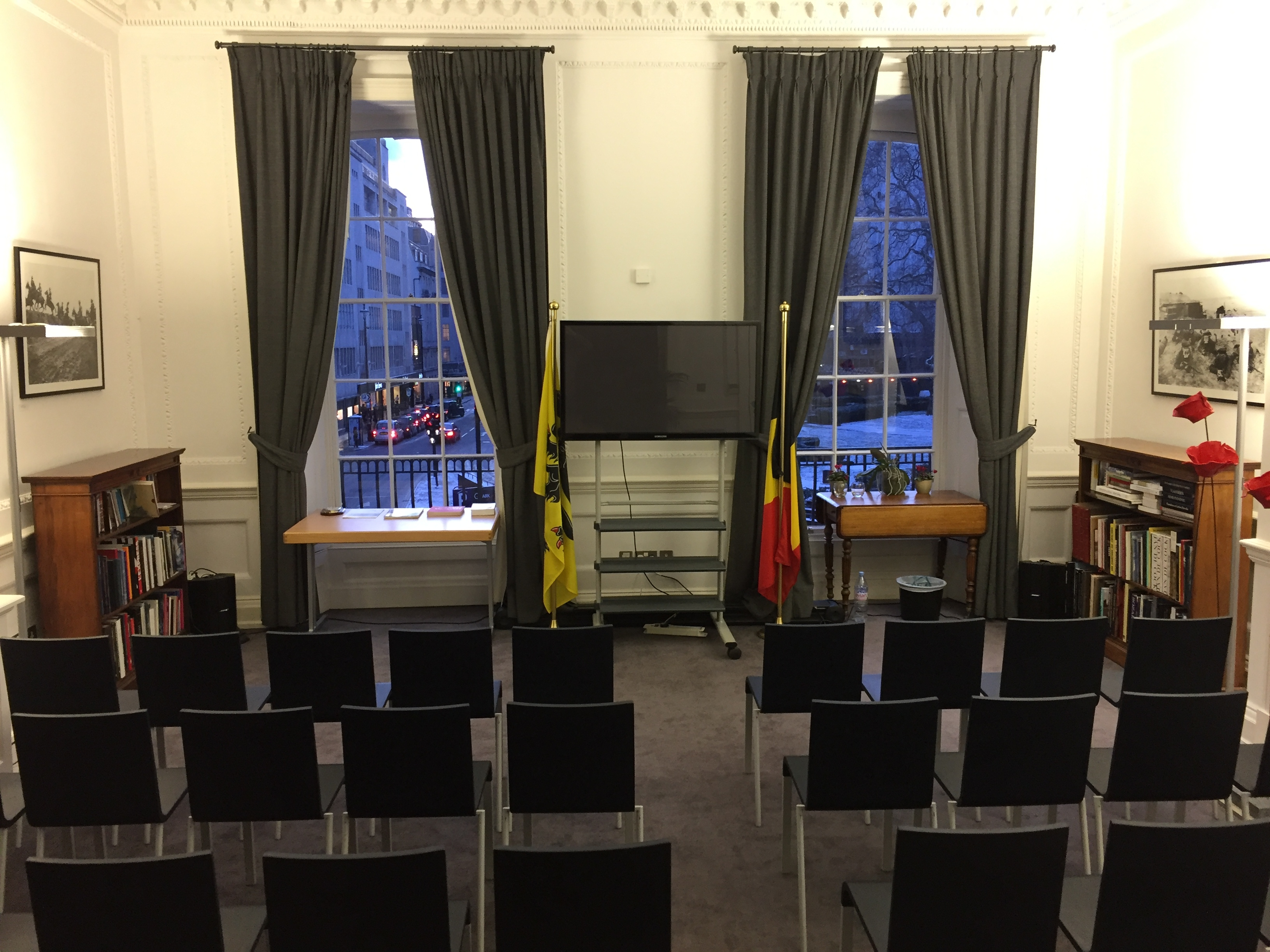 Flanders House - large room theatre style 2